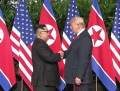Summit istoric Donald Trump-Kim Jong-un: Cei doi lideri au dat mana in Singapore. FOTO, VIDEO