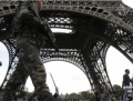 NEWS ALERT. FOTO+VIDEO. Panica la Paris: O zona din jurul Turnului Eiffel din Paris, evacuata. Reuters: Alarma falsa